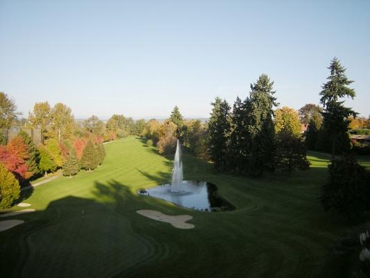 Golf course at gated community Broadmoor, Seattle, Washington. Photo by Joe Mabel