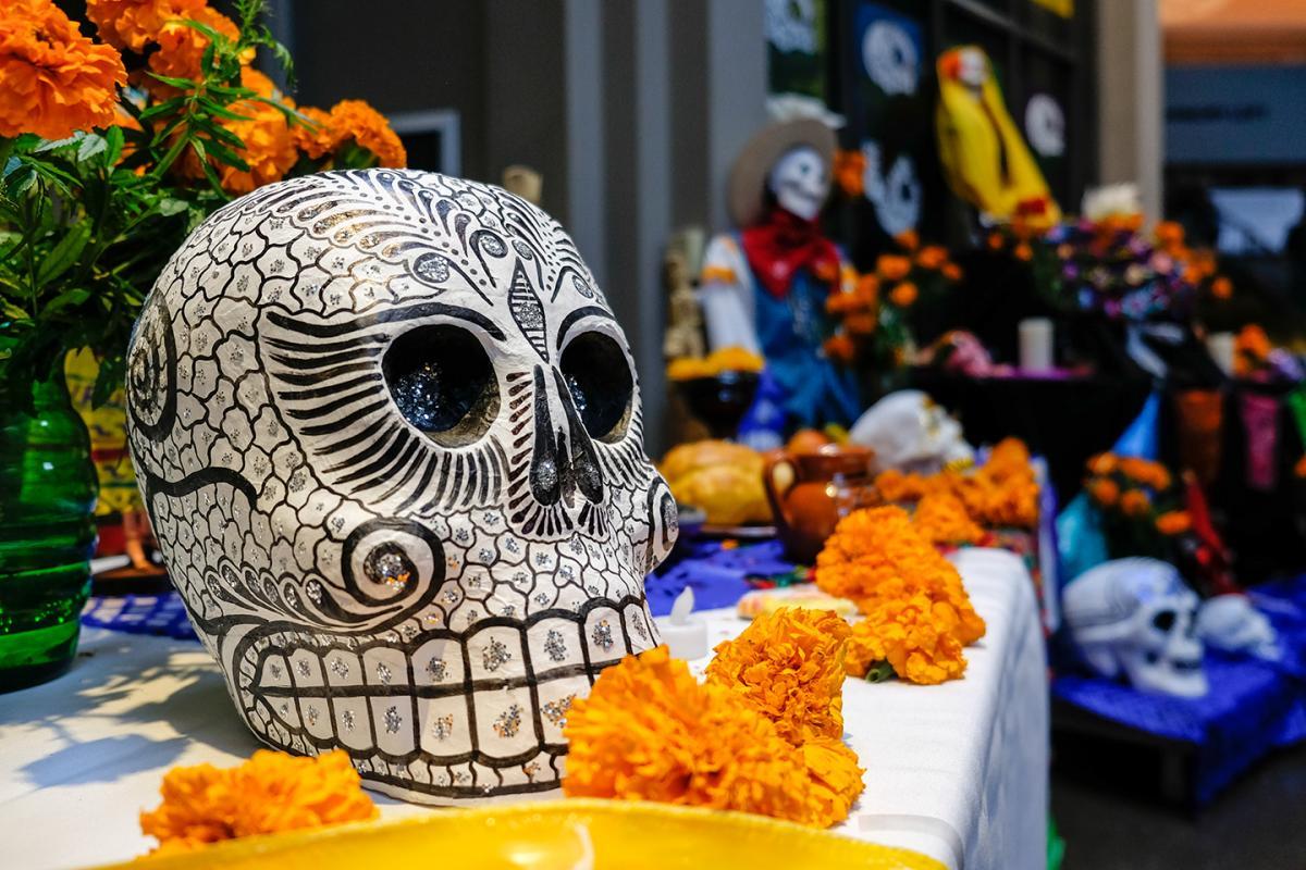 Dia De Los Muertos Celebrating A Mexican Tradition At Seattle