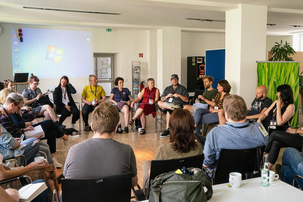 A breakout session during the INSP 2019 Global Street Paper Summit in Hanover, Germany. More than 120 delegates from 50 streetpapers in 25 countries came together. Photo by Andreas Fuchs