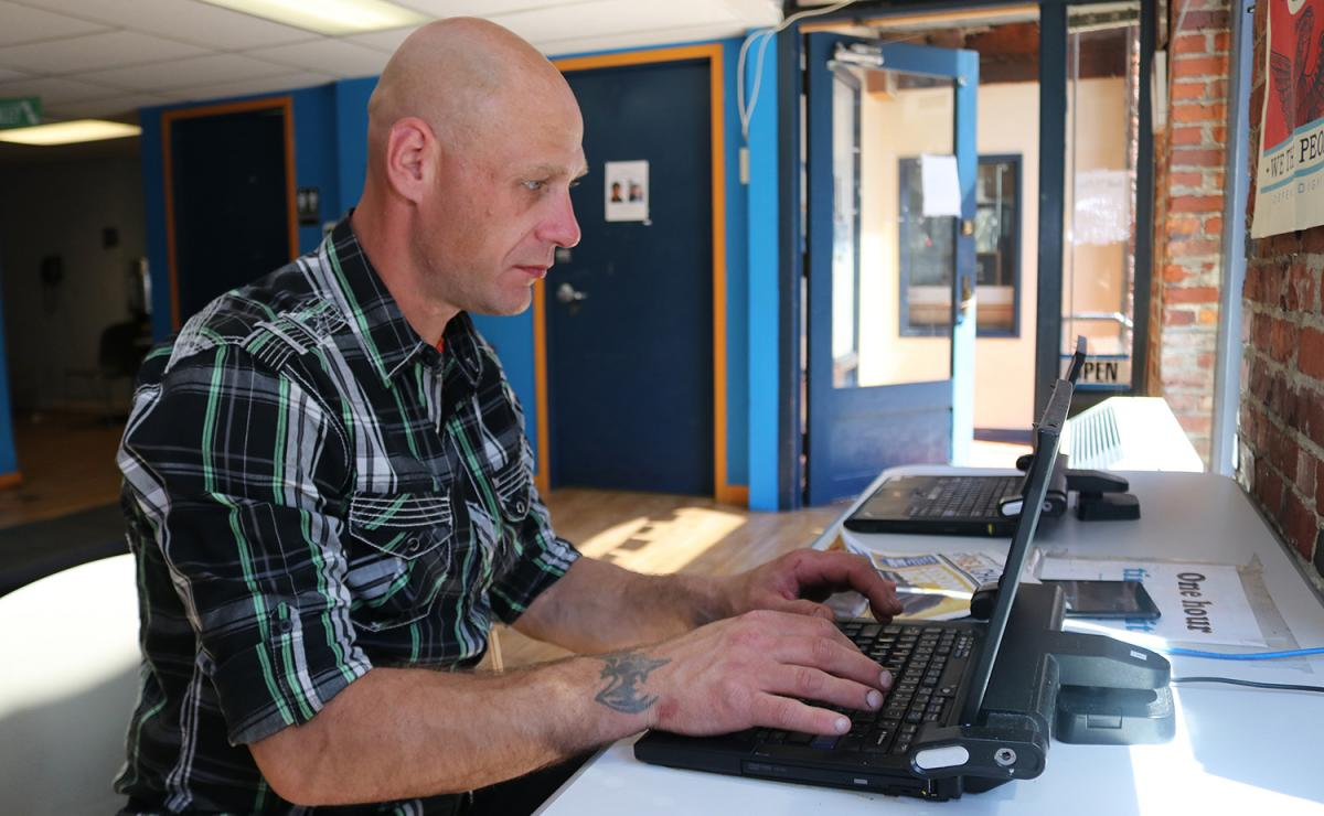 After an injury took him away from the construction industry, Daniel Long is back in school learning web design. Long is also homeless, which makes continuing his education even more difficult. A 2018 survey found that 36 percent of university students an