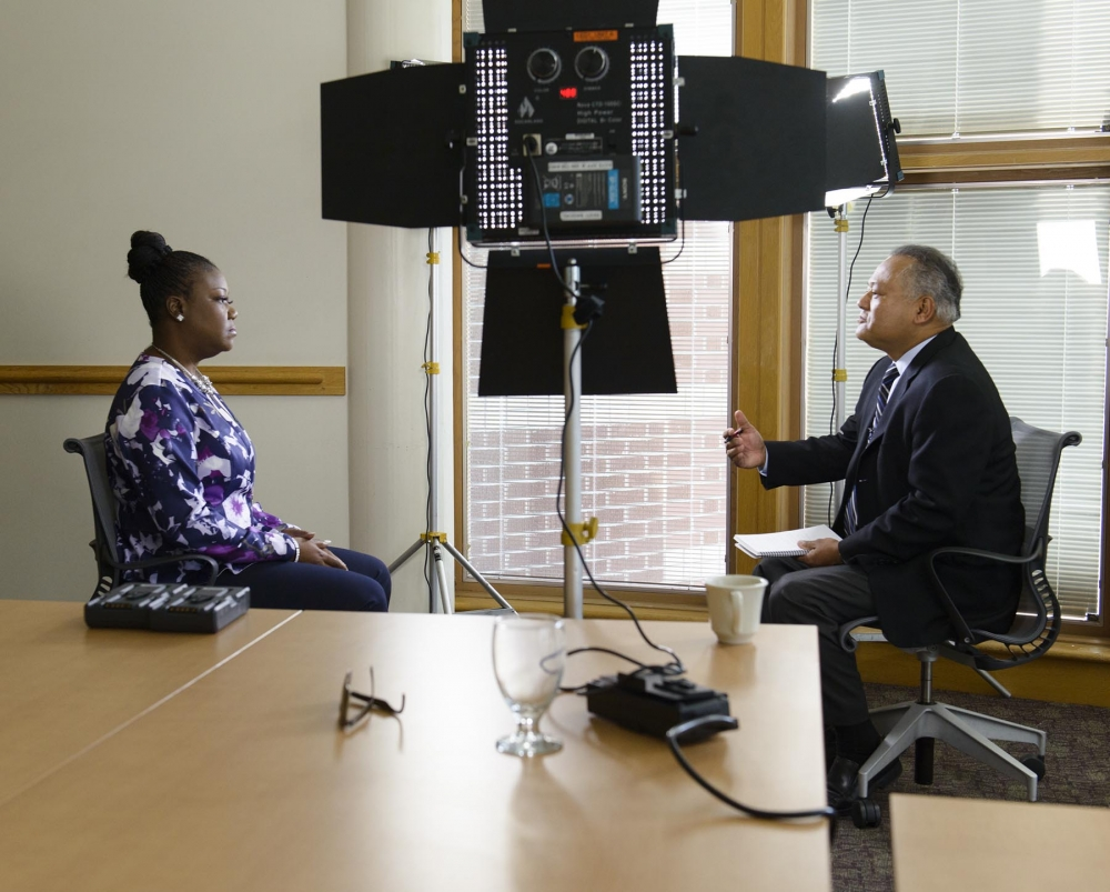 Cerna interviews Sybrina Fulton, mother of Trayvon Martin in 2015.