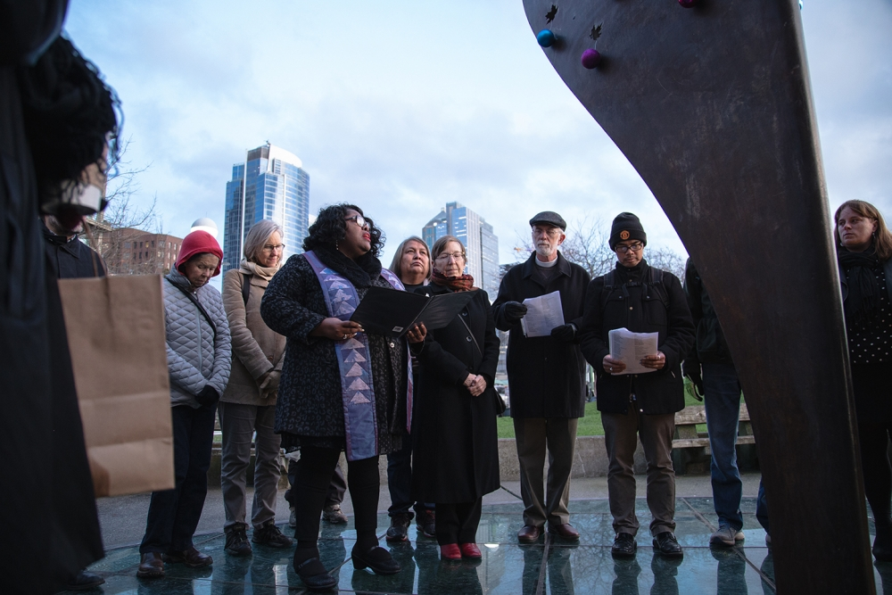 The names of those who died on the streets of King County in 2018 are read aloud at Tree of Life in Victor Steinbrueck Park. Photo by Matthew S. Browning